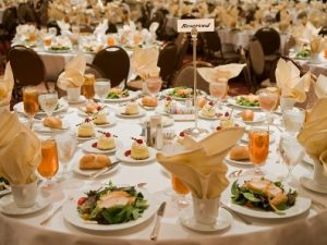 Presentation checklist: Speaking during a meal